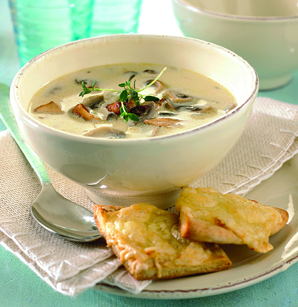 Photo: Tine Mediebank Nothing says autumn like creamy soup from in-season foragables.
