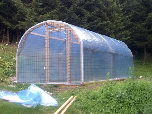 Photo: Heidi Håvan Grosch The finished product: a sturdy industrial greenhouse built out of rebar and inspiration.