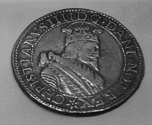Photo: Bjorn Olsen This silver coin was minted in Skien in the 1600s using metal from the Guldnes mines. From the Kongsberg Mining Museum.