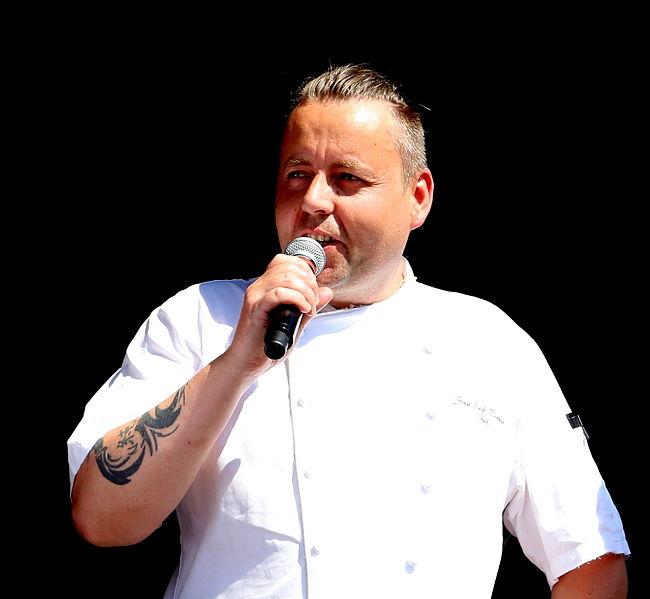 Photo: Jarle Vines / Wikimedia Commons Sven Erik Renaa, Head Chef of RE-NAA.