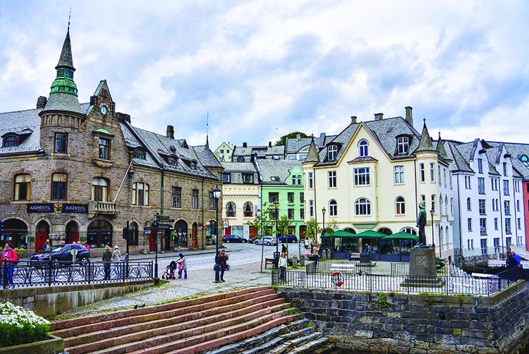 Photo: Elisabeth Beyer Ålesund is most famous for its Art Nouveau architecture.