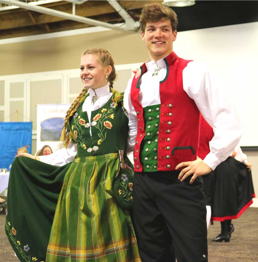 Photo: Bygdelagenes  Fellesraad The Stoughton Dancers help celebrate the event.