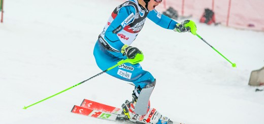 Henrik Kristoffersen racing.