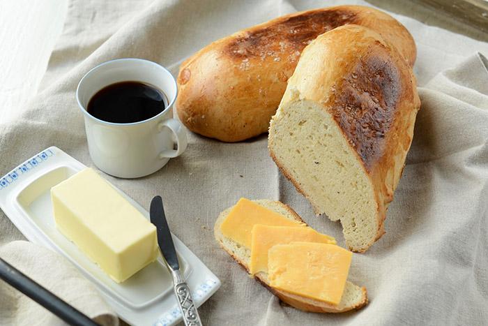 Cardamom-Scented Bread