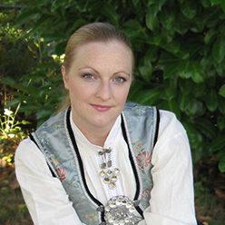 Laura Loge