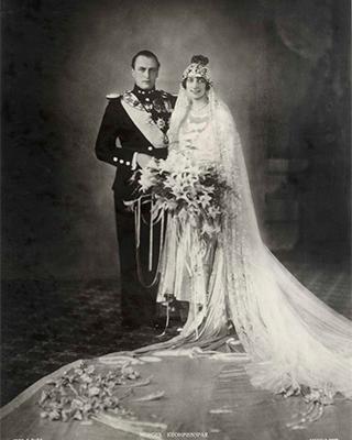 Crown Prince Olav and Princess Märtha on their wedding day