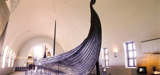 Viking ship in the Vikingtidsmuseet