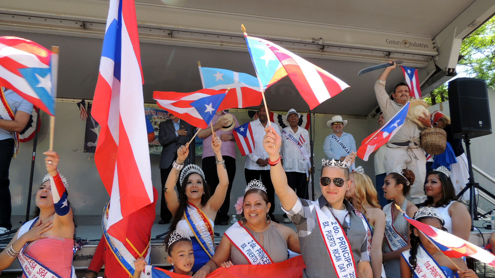 La Bonita Bandera Bronxites Celebrate Puerto Rican Heritage