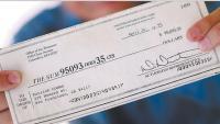 Un hombre ingres un cheque de propaganda de 95000 $ como ...
