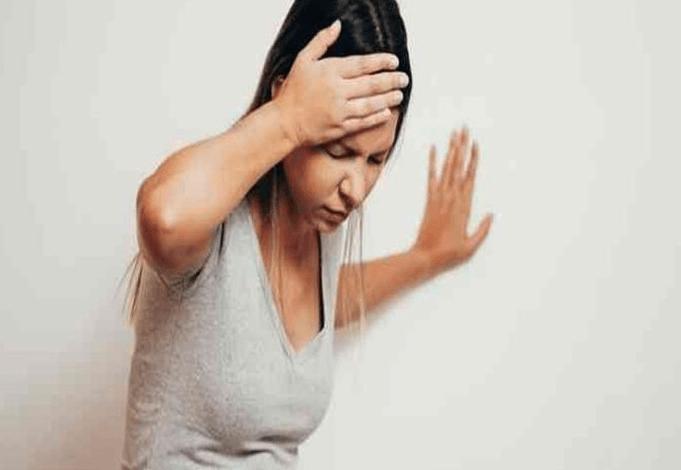 أعراض المرحلة الثالثة لفيروس كورونا ومتى يتم عزل الأطفال