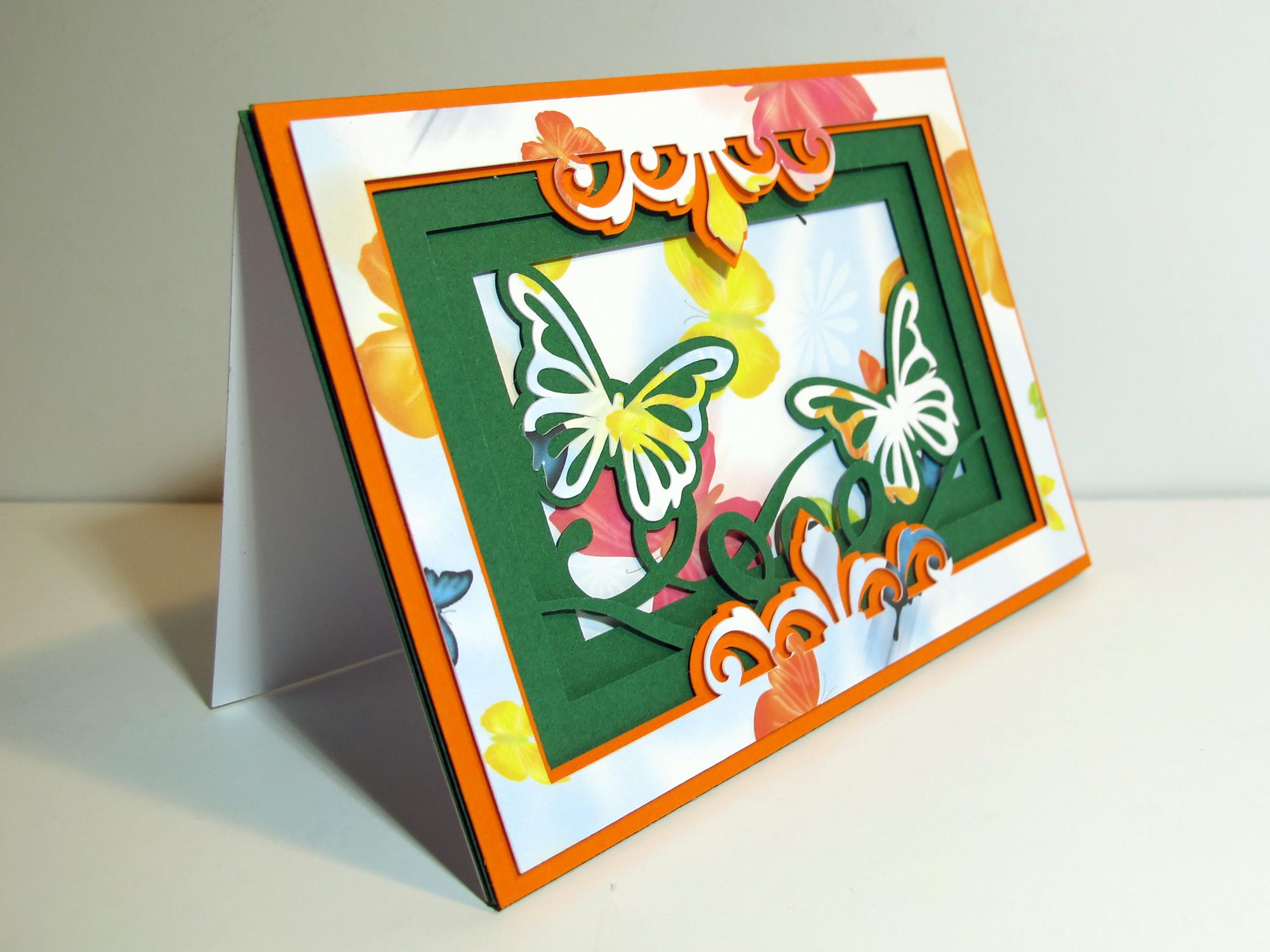 Une carte façon shadow box ♦ Duo de papillons