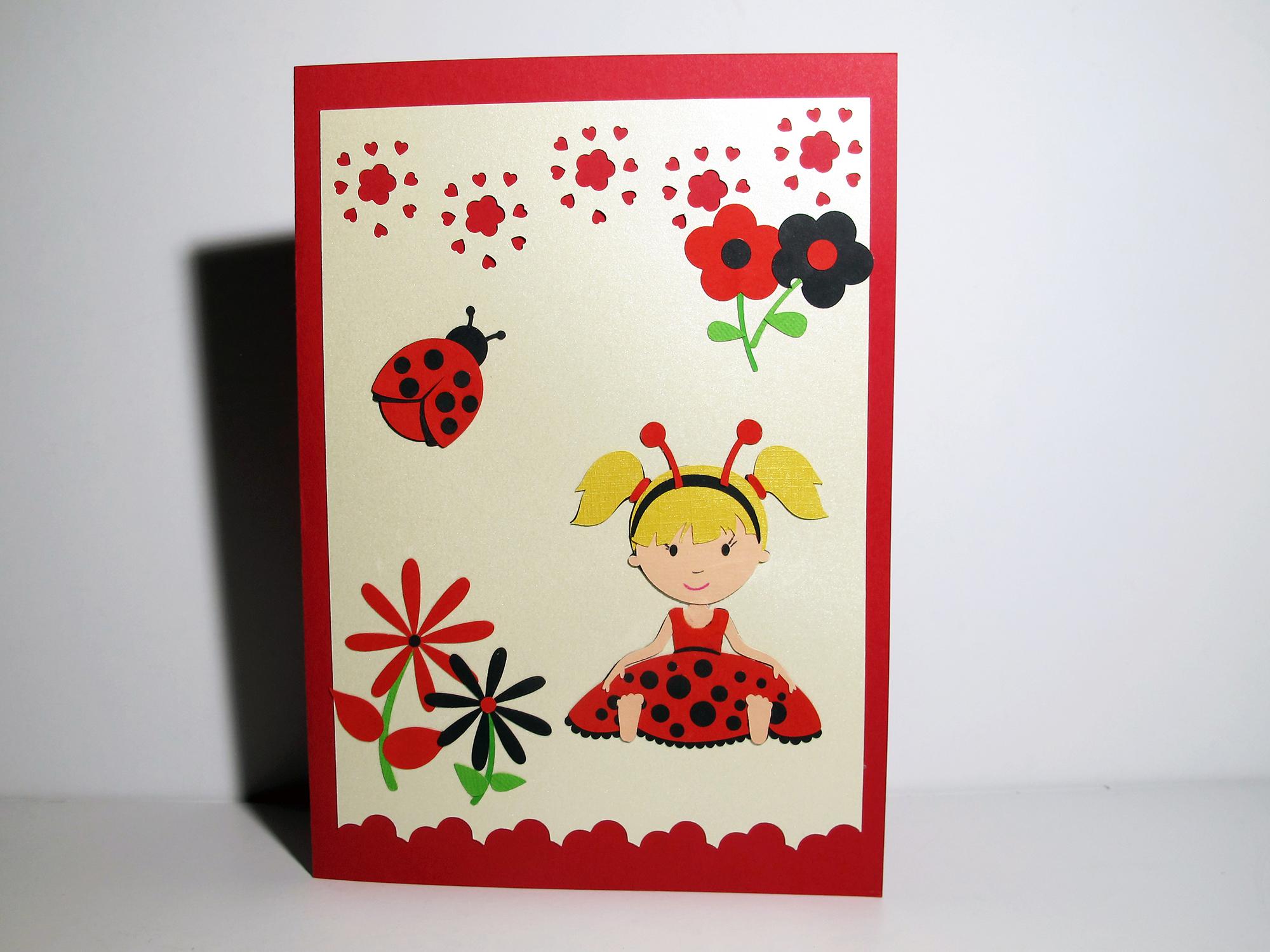 Carte ♦ La fillette et la coccinelle