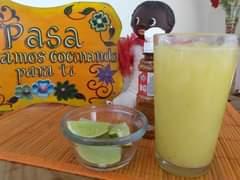 Image may contain: drink and indoor, text that says 'P asa amos cocinando para ti ส'