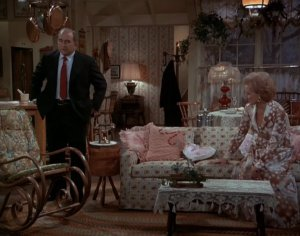 Mary-Tyler-Moore-Show-Happy-Homemaker-couch