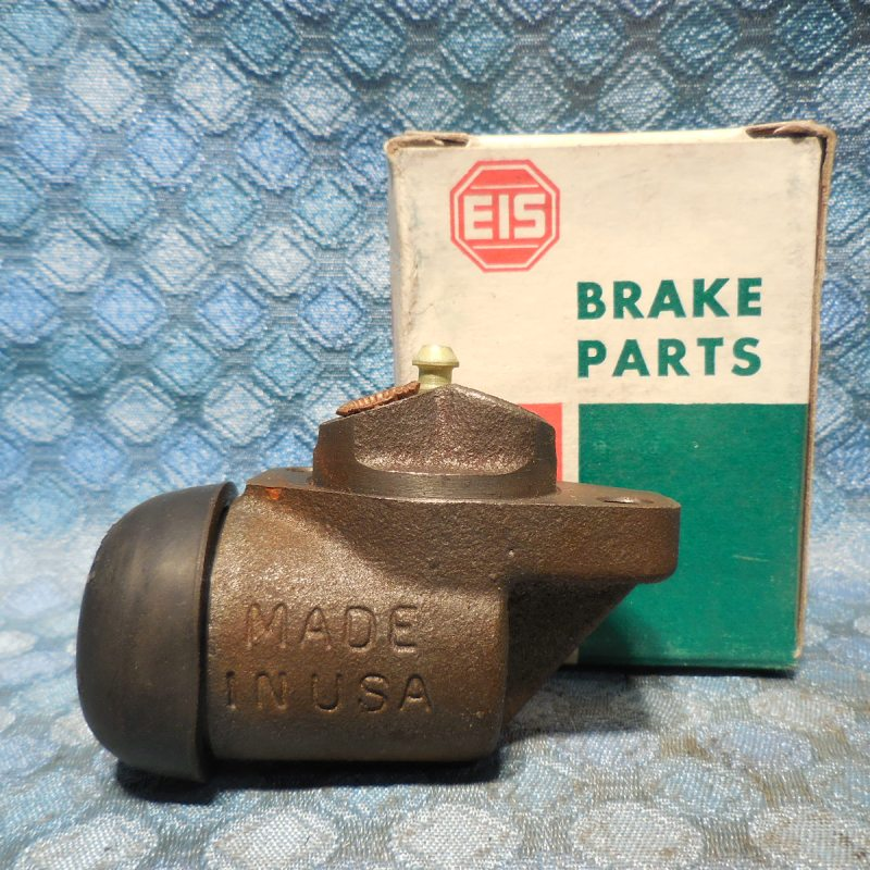 1950-62 International & 57-58 Dodge Truck NORS Right Front Wheel Cylinder 52 54