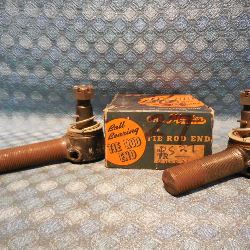 1932 1933 Oldsmobile NORS Pair Of Tie Rod Ends 6 & 8 Cylinder Olds