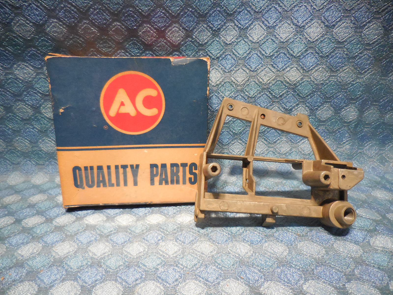 1961 1962 Cadillac NOS AC Speedometer Frame & Jewell Cup Assembly # 1589485  - NOS Texas Parts, LLC - Antique Auto Parts