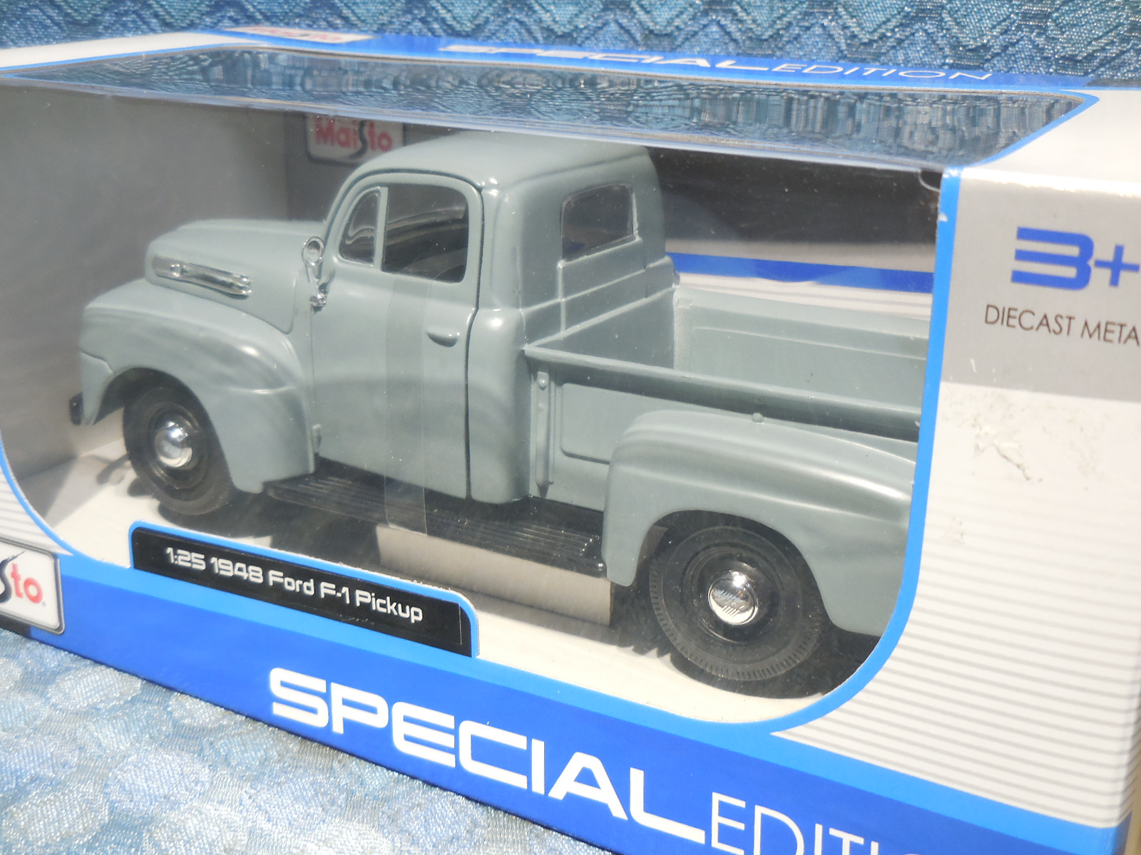 1948 Ford F 1 Pickup New Maisto 125 Scale Model In Gray Nos Texas Truck Cast S