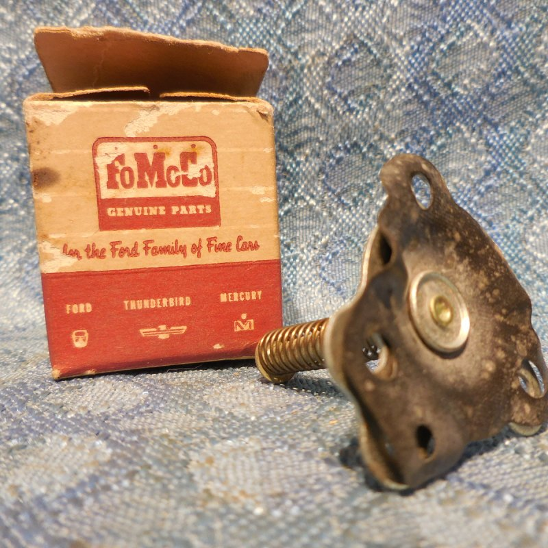 1954-1958 Ford 6 Cyl NOS Carburetor Piston and Stem 55 56 57 #EAA-9904-A, SEE AD