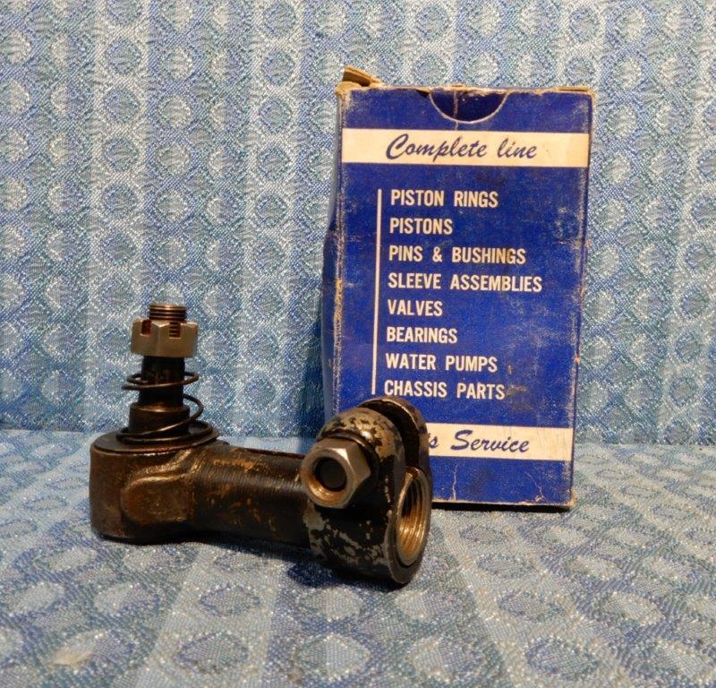 1930-1938 Chevrolet Pass 1933-1936 Pontiac NORS RH Tie Rod End 31 32 34 35 36 37