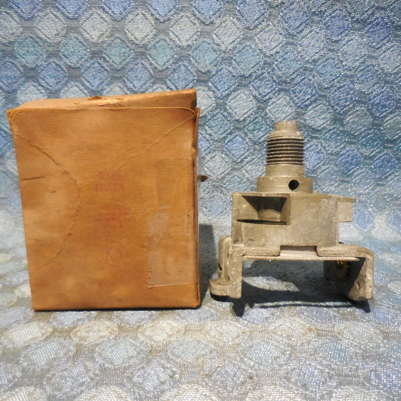 1946-1948 Kaiser NOS King Seeley Speedometer Frame 1947 # 9266 (SEE AD)