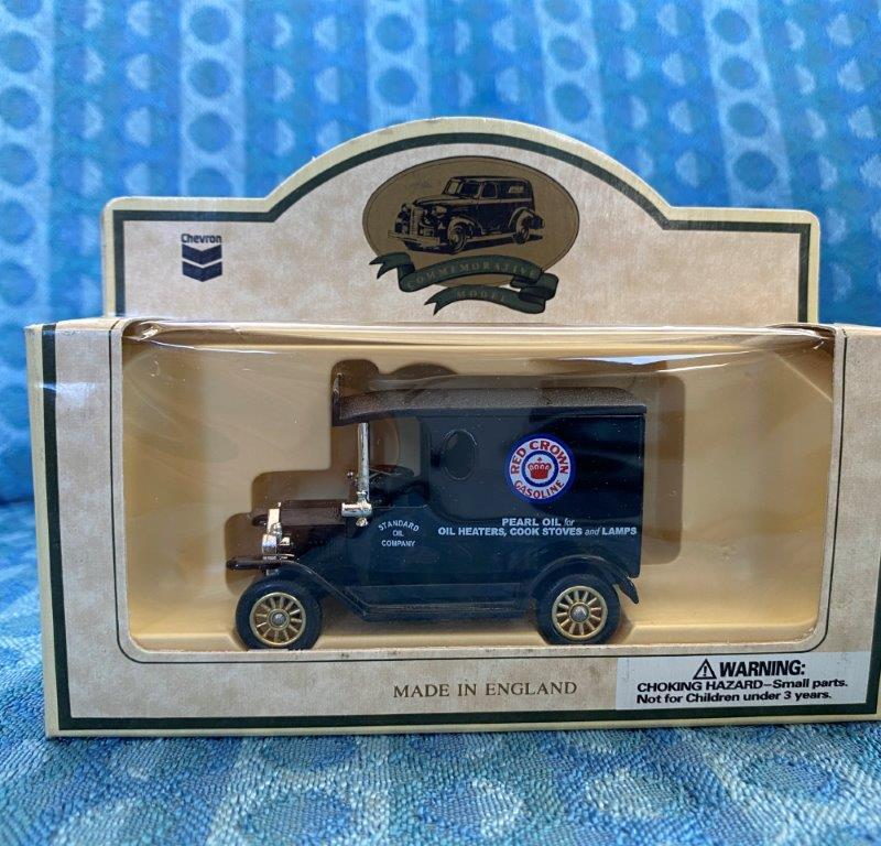 Chevron Commemorative Die Cast Metal Replica Model T Pearl Oil Van Red Crown NIB