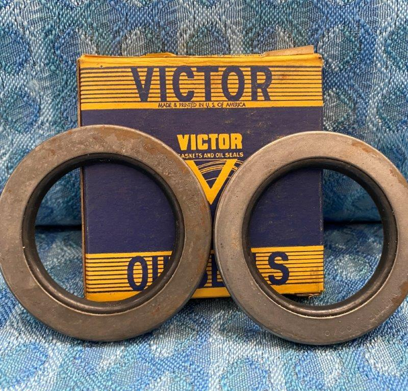 1937-1955 Buick Pair of NORS Victor Rear Outer Wheel Seals 1939 41 47 49 51 53