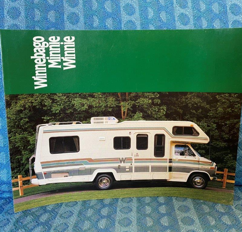 1989 Winnebago Minnie Winnie Motorhome Original Sales Brochure