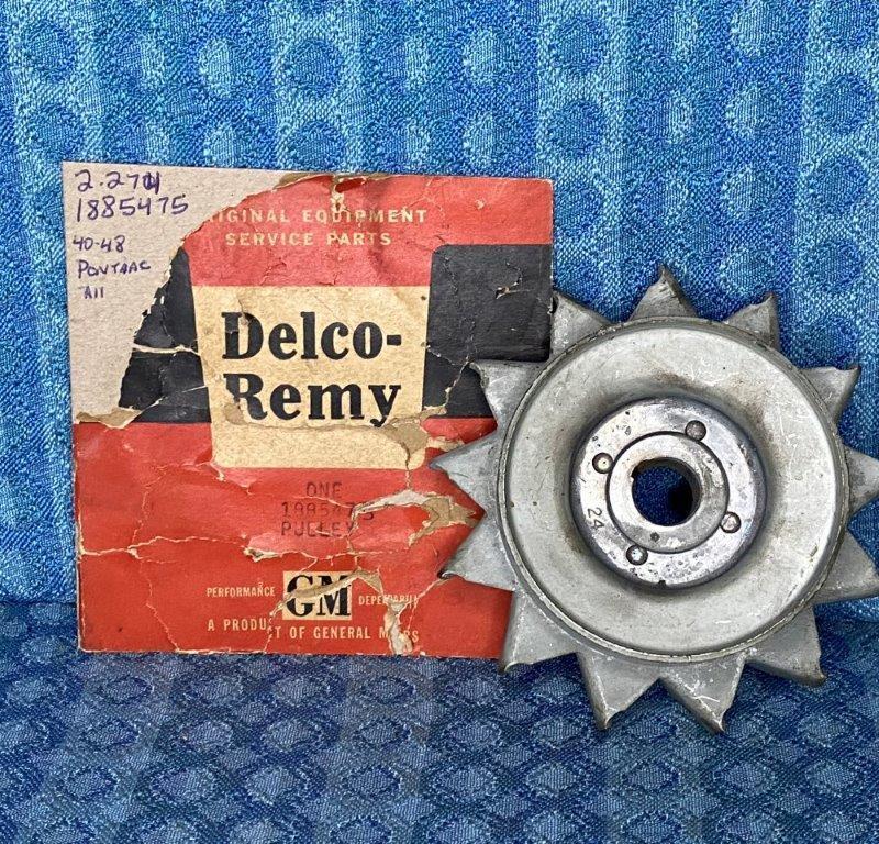 1940-1948 Pontiac 6 & 8 NOS Delco Generator Pulley 1941 42 46 1947 #1885475