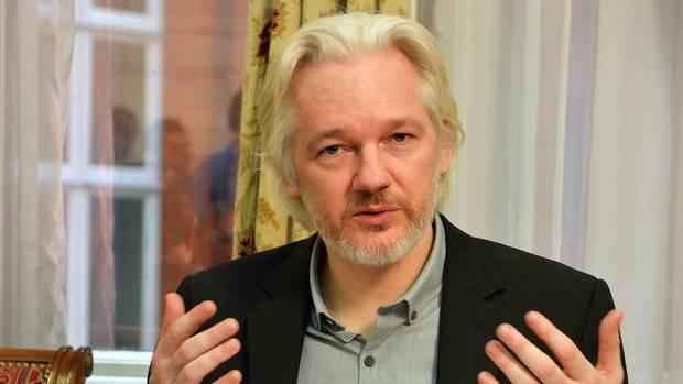 julian-assange-clinton