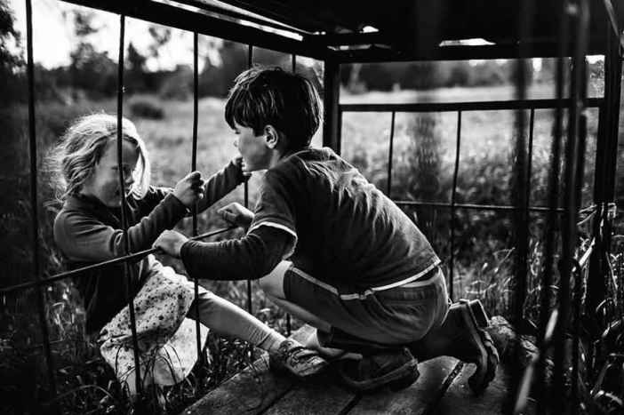 raw-childhood-without-electronic-devices-niki-boon-new-zealand-16