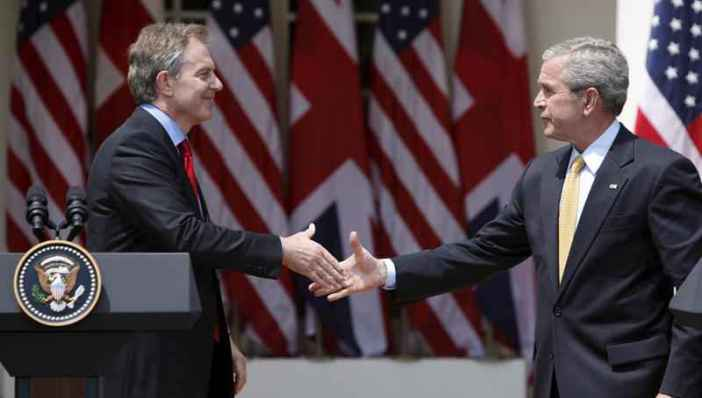 epa02310790 (FILE) A file photo dated 17 May 2007 shows US President George W. Bush (R) and British Prime Minister Tony Blair shake hands after addressing the media in the Rose Garden at the White House in Washington, D.C., USA. EPA/MATTHEW CAVANAUGH