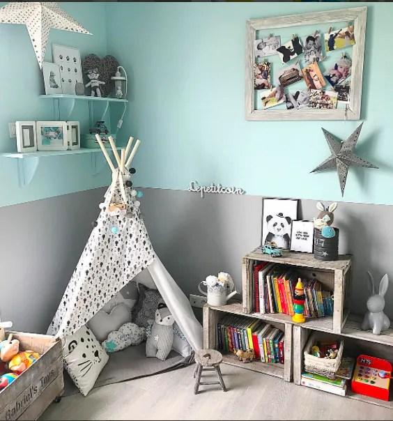 Stanza per ragazzo con le pareti ed i mobili bianchi ma con vari oggetti. Qualche Idea Originale Per Le Camerette Dei Neonati Nostrofiglio It
