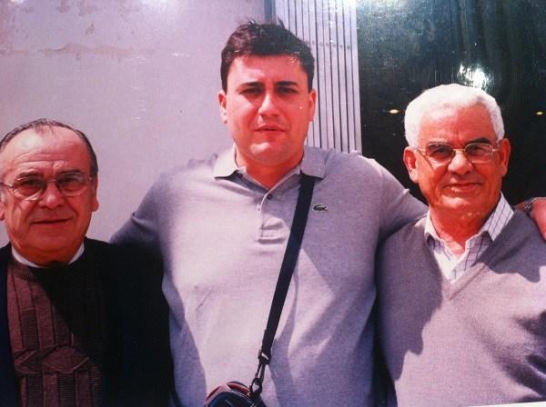 """Con mis amigos Isauro y """"El Barbeiriño"""" - 2004"""