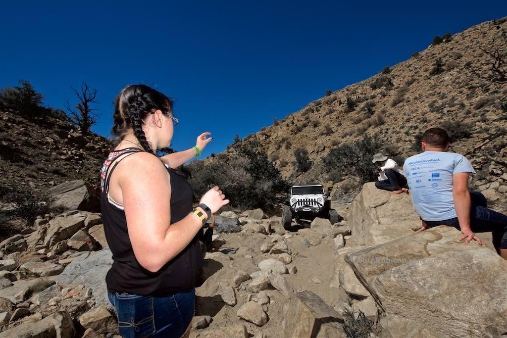 Spotting Jeep through rocks