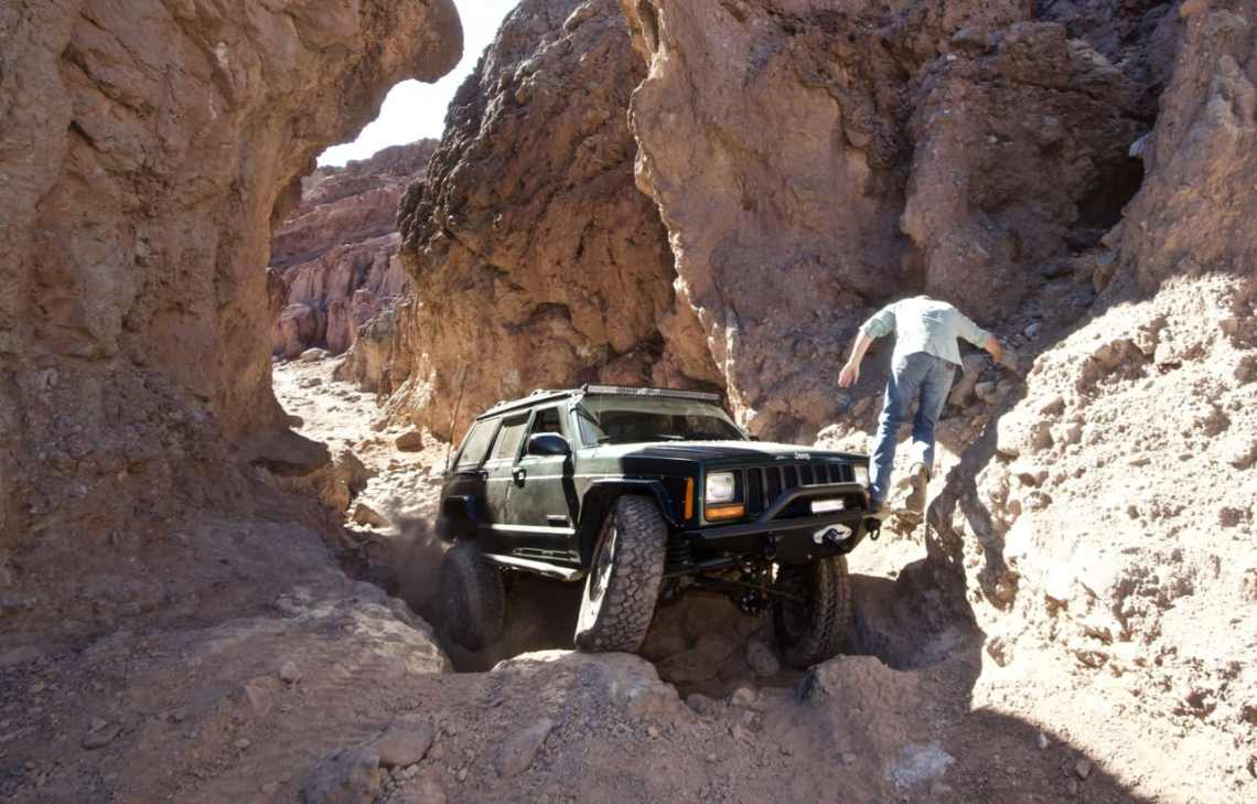 A Jeep Cherokee stuck on the rocks on Doran Scenic Trail Road
