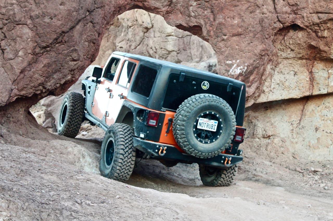 The Notarubicon Jeep going through Kramer's Arch