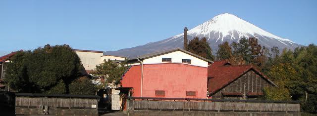 牧野酒造からみた富士山