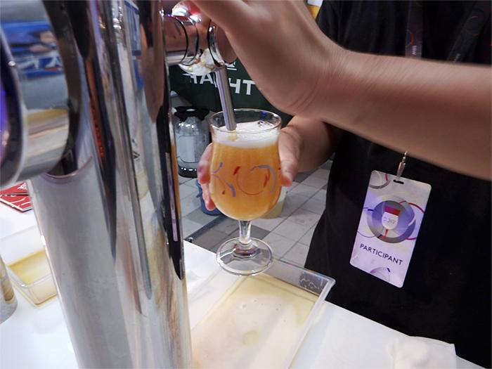 BBW-楽しみ方 ビールを入れてもらう
