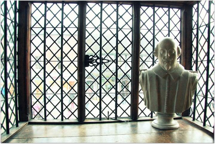 Estatua Shakespeare Stratford-upon-Avon