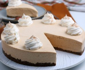 no bake pumpkin cheesecake with a slice cut out