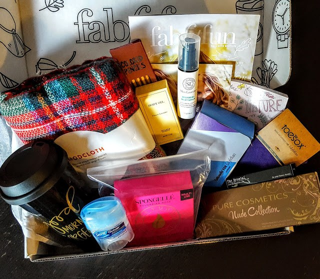what's in the fall fab fit fun box