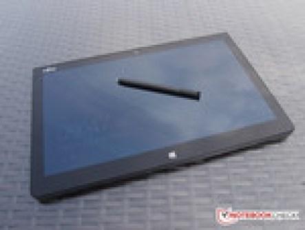 Máy tính bảng hay laptop? - Kiểu dáng Fujitsu Q704