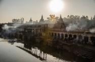 Totenverbrennungen am Ghat, Pashupatinath, KTM