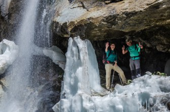 Unter dem (Eis-) Wasserfall
