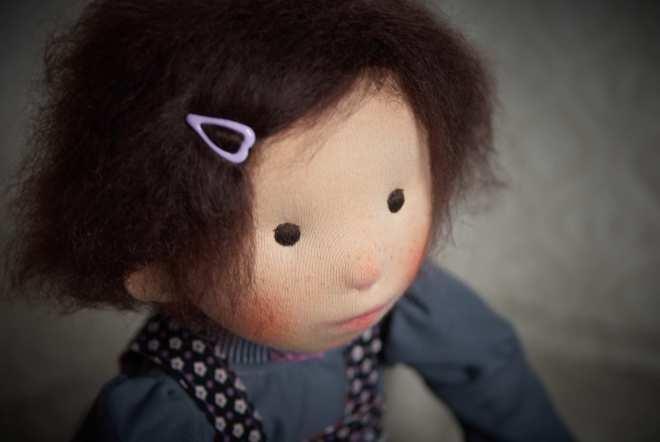 Eira, a natural fiber art doll by Atelier Björkåsa.