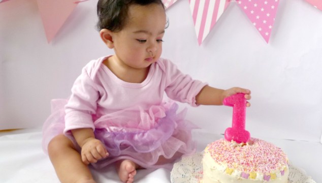 DIY: Katie's Birthday Cake Smash Photo Session