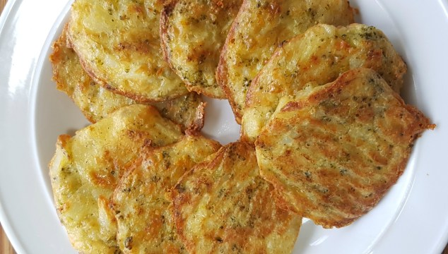 Recipe: Cheesy Potato and Broccoli Patties