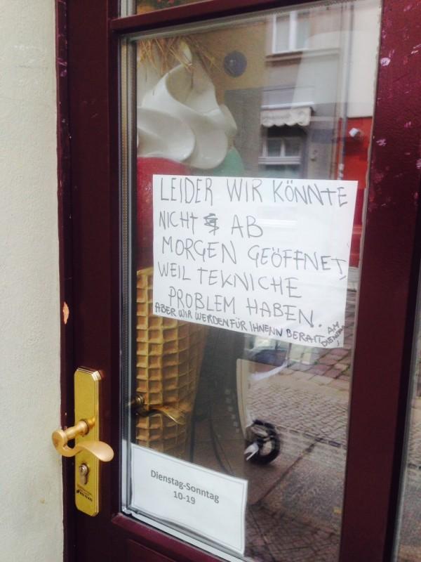 Der Techniker ist informiert  NOTES OF BERLIN
