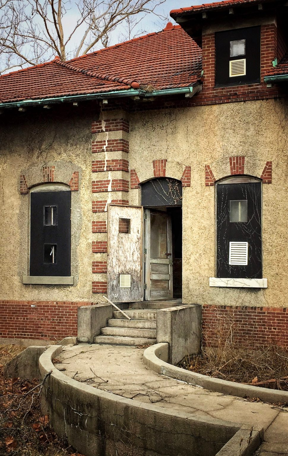 (1) Isolation Ward, Ellis Island. Photo by Rick Stachura. March 28, 2015.